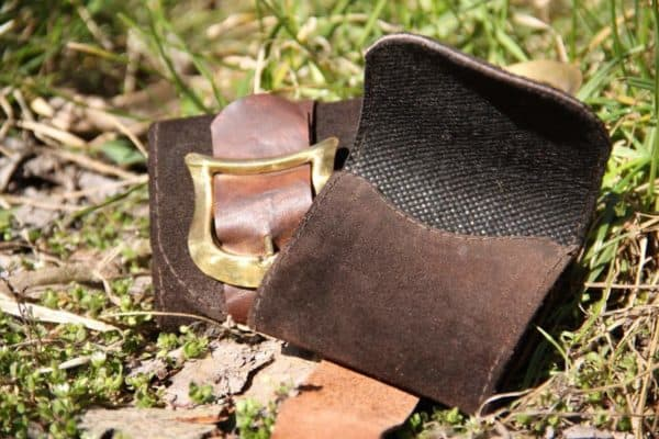 recyclart.org-leather-scraps-purses2