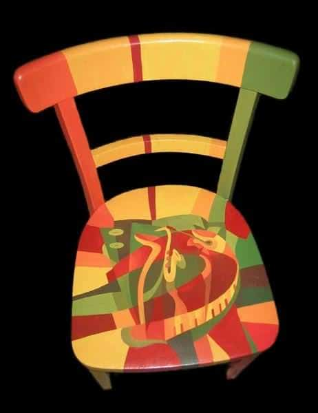recyclart.org-painting-on-old-thonet-chairs-and-armchairs5