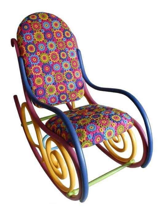 recyclart.org-painting-on-old-thonet-chairs-and-armchairs3
