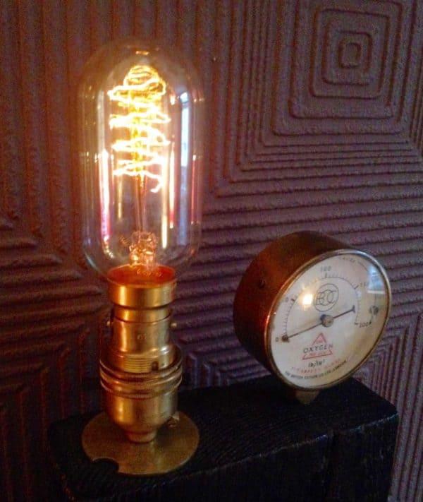 recyclart.org-steampunk-edison-lamp2