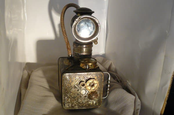 recyclart.org-steampunk-lamp