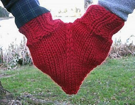 20 Brilliant Upcycled Valentine's Day Ideas 3 • Accessories