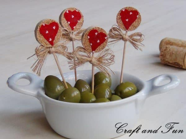 20 Brilliant Upcycled Valentine's Day Ideas 21 • Accessories