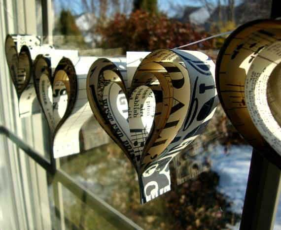 20 Brilliant Upcycled Valentine's Day Ideas 25 • Accessories