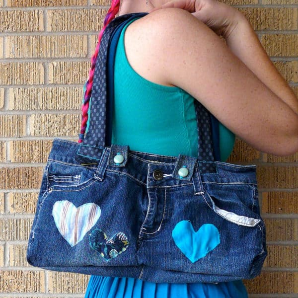 20 Brilliant Upcycled Valentine's Day Ideas 31 • Accessories