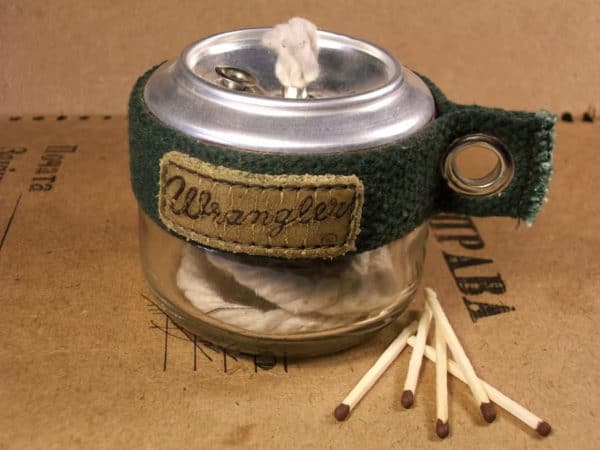 recyclart.org-alcohol-burner-from-aluminum-can-and-glass-jar
