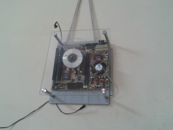 recyclart.org-motherboard-clock-cum-dim-arc-light