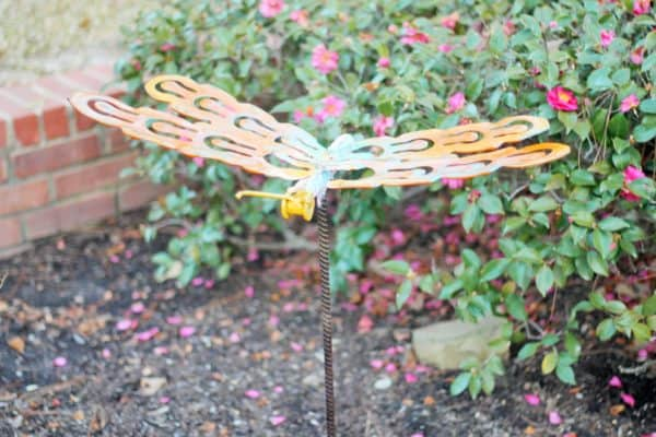recyclart.org-upcycled-dragonfly-stakes