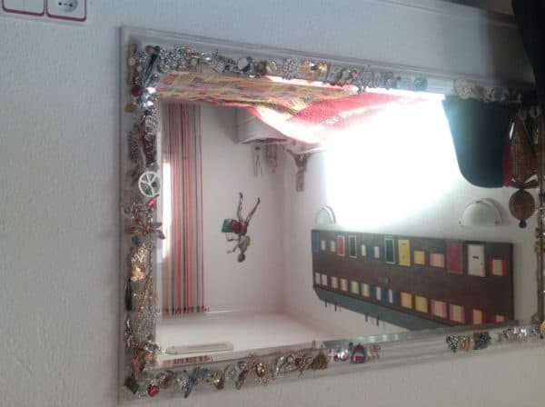 recyclart.org-it-was-a-tatty-mirror1