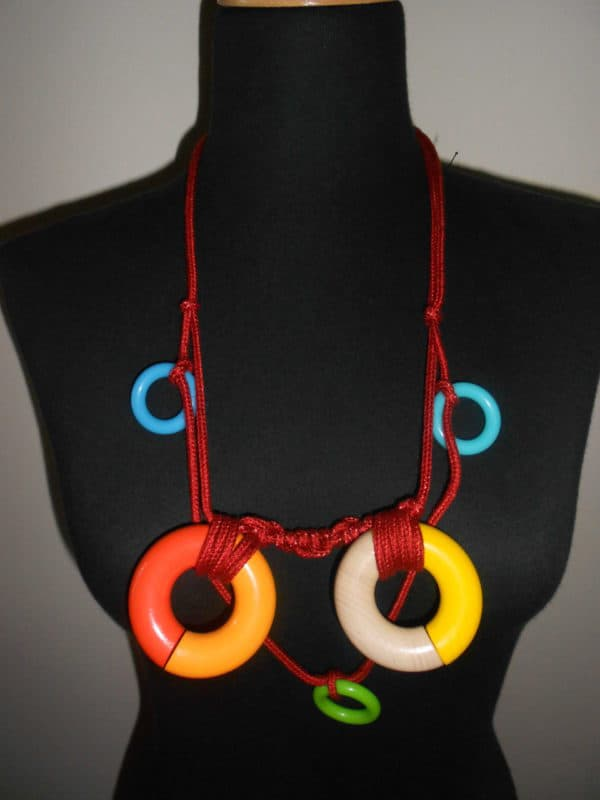 recyclart.org-up-cycled-necklace2