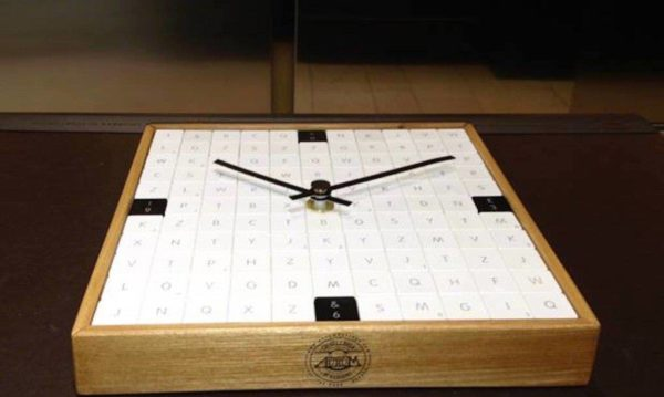 Apple-Keyboard-clock-by-Vicolopagliacorta-1020x610