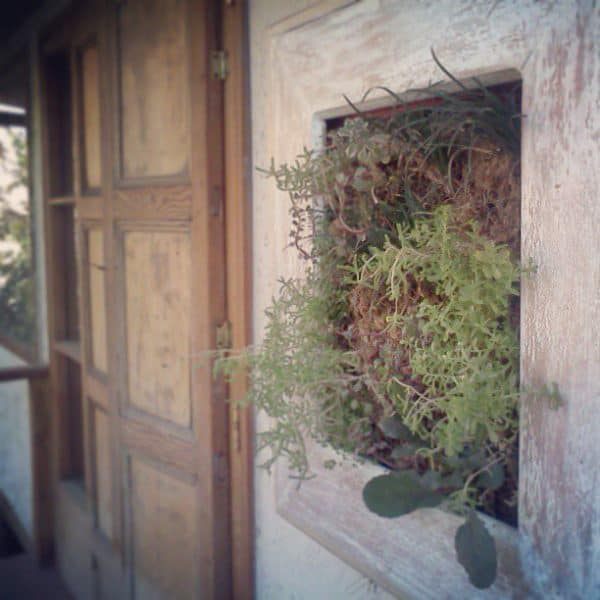 recyclart.org-living-wood-frame-made-recycling3