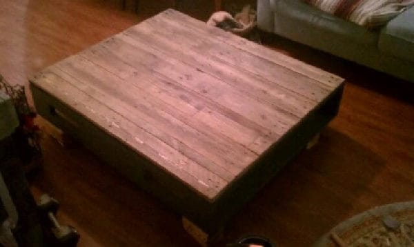recyclart.org-coffee-table-i-picked-ip-couple-old-pallets2