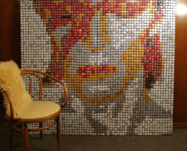 recyclart.org-david-bowie-bottle-cap-mosaic1