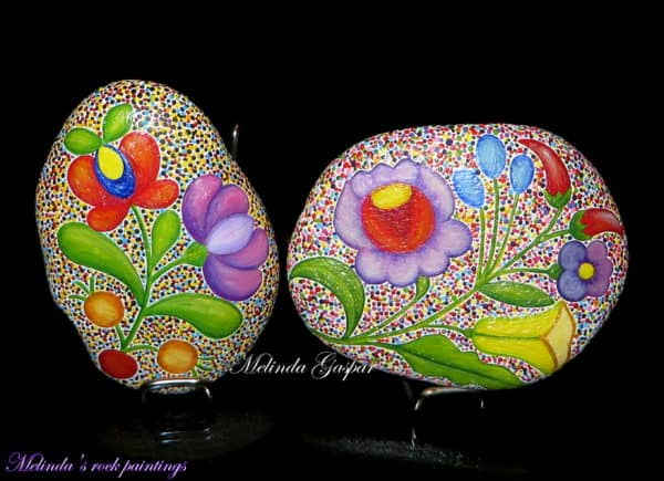 recyclart.org-hungarian-folk-art-motifs-painted-on-stones