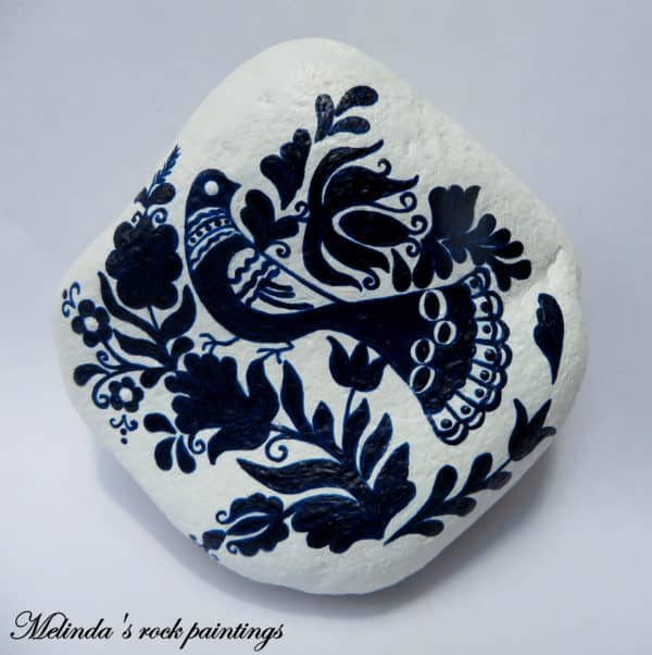 recyclart.org-hungarian-folk-art-motifs-painted-on-stones1
