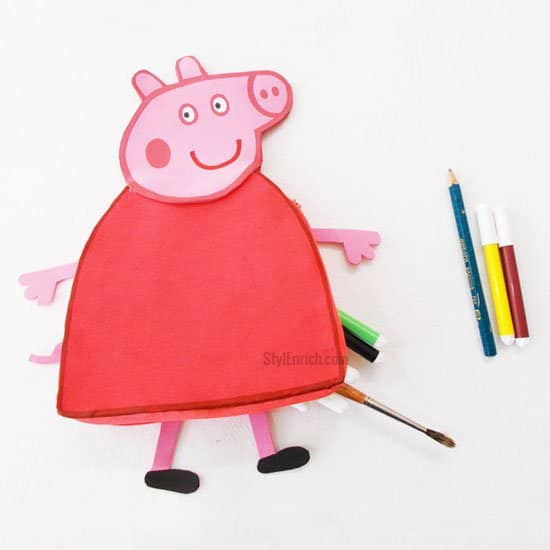 recyclart.org-recycled-kids-craft-diy-peppa-pig-pencil-pouch9
