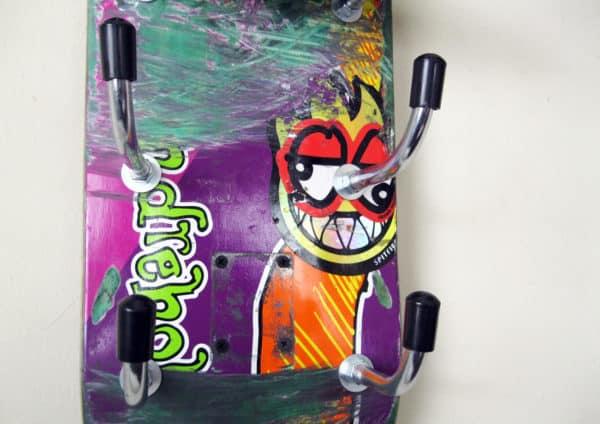 recyclart.org-skateboard-wine-rack-31