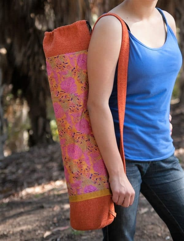 recyclart.org-upcyled-vintage-sari-and-kimonos-transformed-into-beautiful-bags-at-stacy-ellis-design1