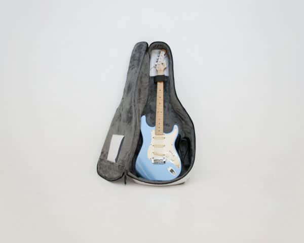 recyclart.org-eco-bags-for-electric-guitars4