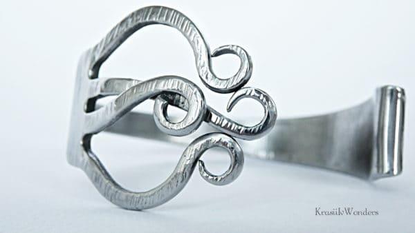 recyclart.org-handsculpted-fork-bracelet-recycled-jewelry-silverware-bracelet-fork-jewelry-eco-friendly6