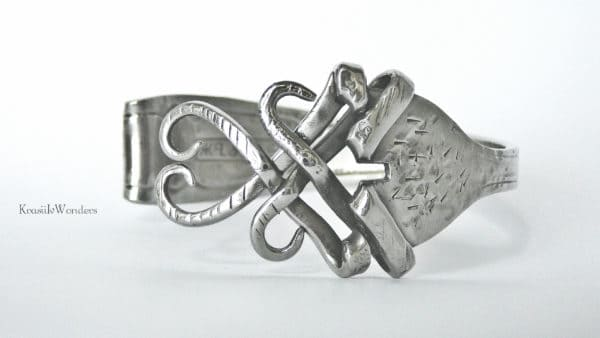 recyclart.org-handsculpted-fork-bracelet-recycled-jewelry-silverware-bracelet-fork-jewelry-eco-friendly3