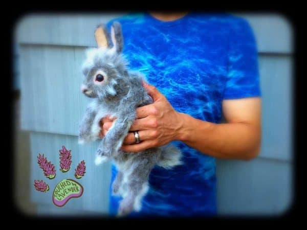 recyclart.org-thistle-the-recycled-clothing-bunny6