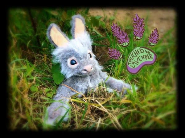 recyclart.org-thistle-the-recycled-clothing-bunny3
