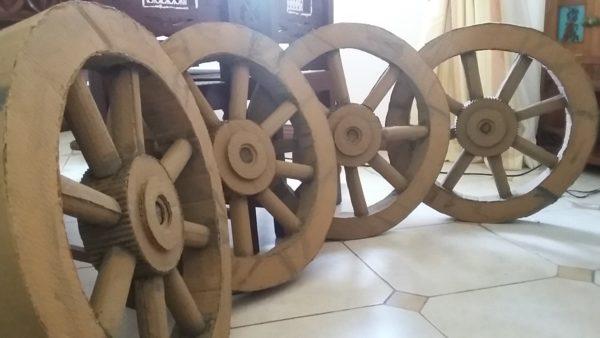 recyclart.org-wedding-wheel-decor2