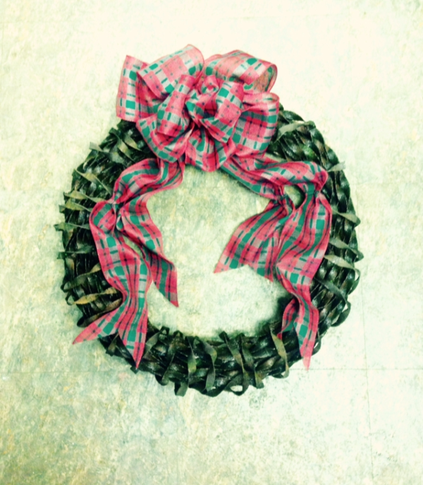 Christmas Wreath From Recycled Twisted Steel Ribbon 1 • Recycling Metal