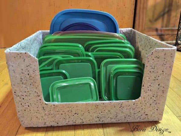 recyclart.org-freebie-diy-recycled-food-storage-lid-organizer