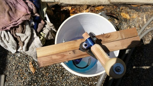 recyclart.org-hand-crank-wash-tub