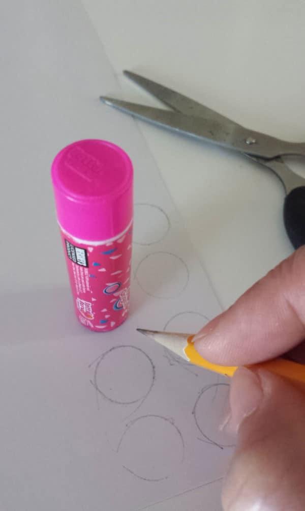 recyclart.org-repurposed-sauce-bottle-diy3