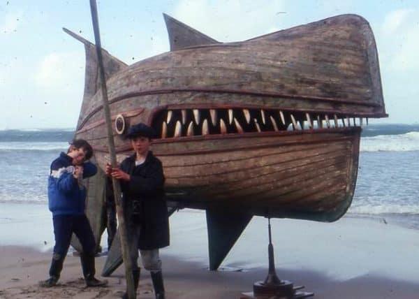recyclart-org-wooden-whaler