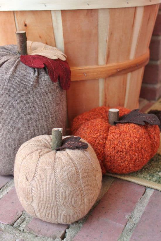 recyclart-org-5-great-upcycled-pumpkin-ideas-for-this-halloween-02