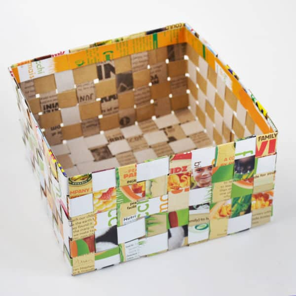 recyclart.org-cereal-box-woven-basket2