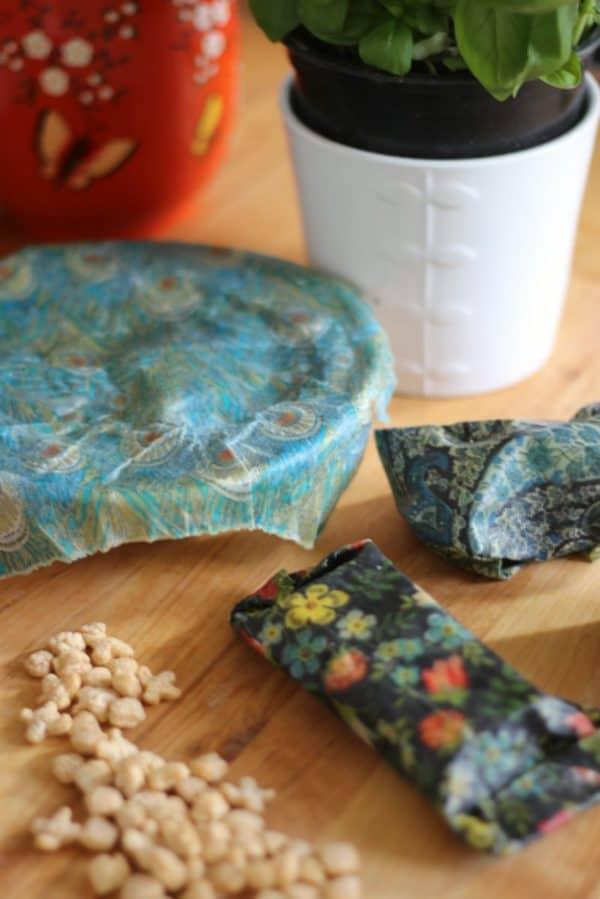 recyclart.org-diy-beeswax-food-wraps3