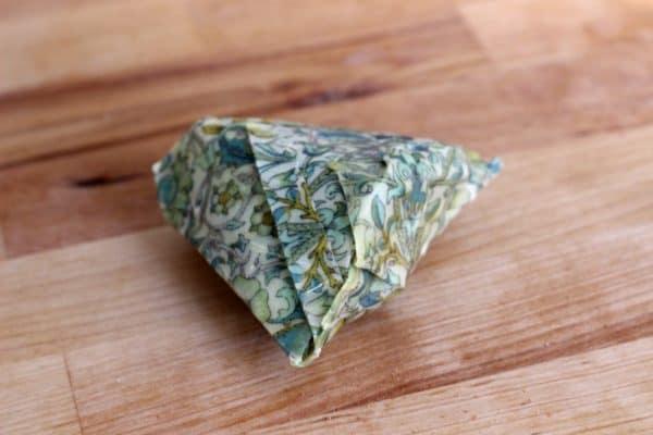 recyclart.org-diy-beeswax-food-wraps2