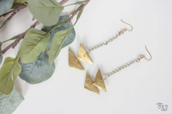 diy-jewelry-triangle-earrings-6