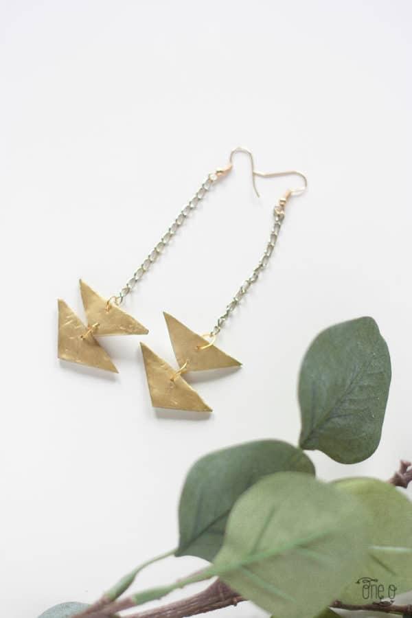 diy-jewelry-triangle-earrings-7