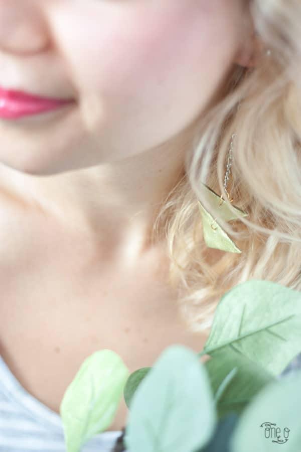 diy-jewelry-triangle-earrings-10