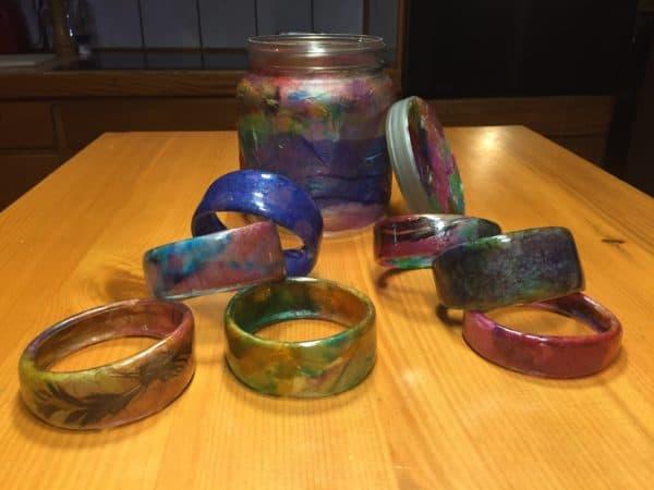 recyclart.org-jar-of-bracelets