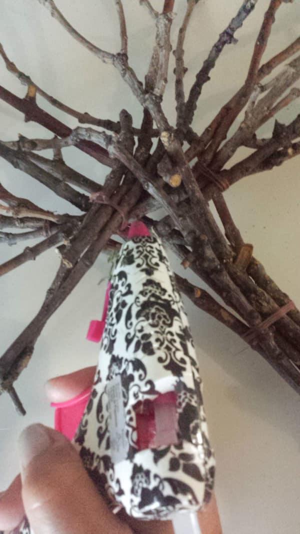 recyclart.org-twig-tree-wall-decor-diy-5