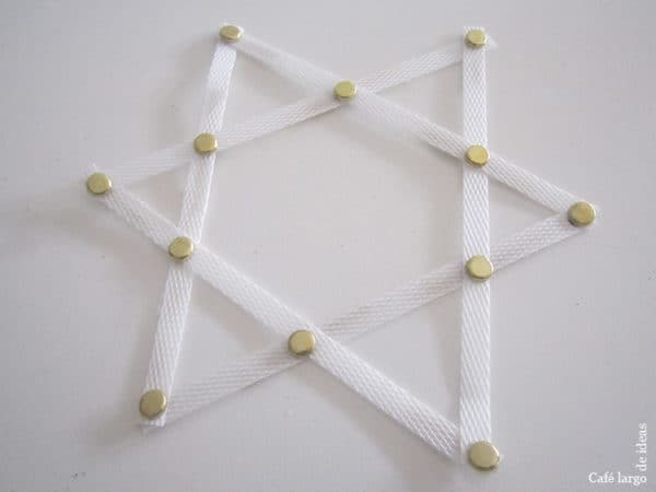 Christmas Tree Star from Strapping Tape 7 • Do-It-Yourself Ideas