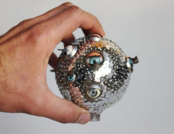 recyclart.org-eye-ball-ornament-03