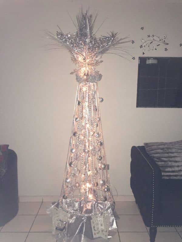 Xmas Tree Made Using a Coat / Purse Rack 4 • Do-It-Yourself Ideas