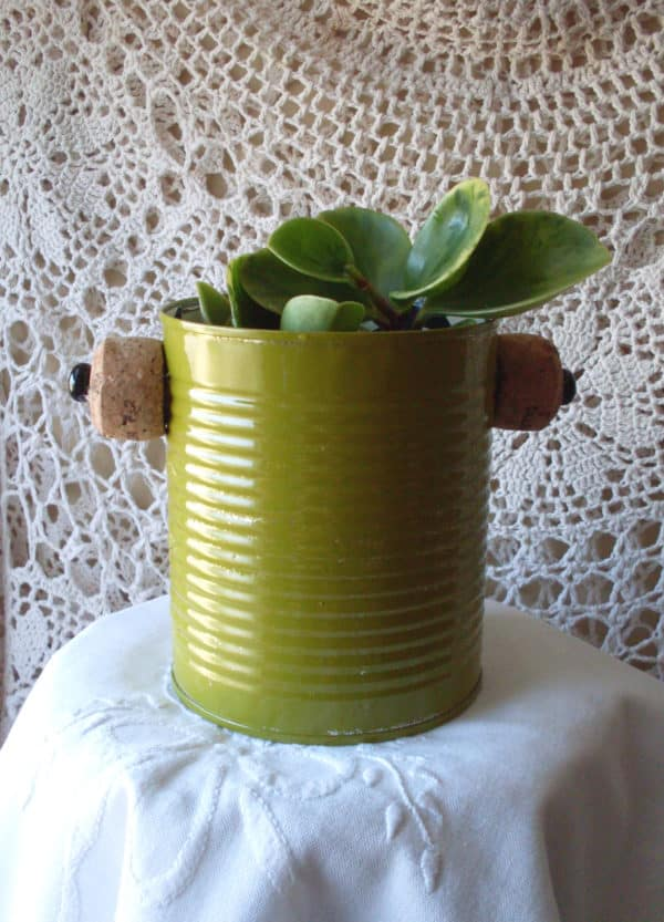 Recycling Cans Into Tiny Planters / Reciclado De Latas 11 • Recycling Metal