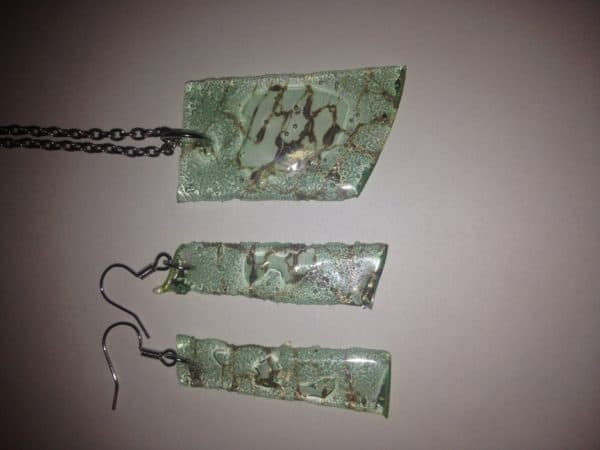 Visual Soundz Design Wearable Compact Disc Jewelry 1 • Upcycled Jewelry Ideas