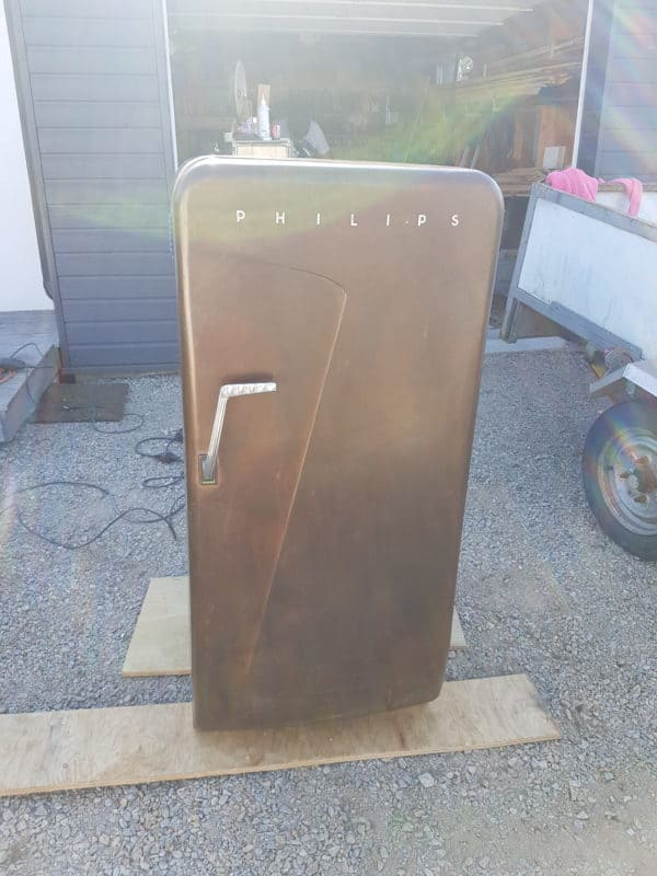 1950's Fridge Becomes Excellent Wine Cellar 1 • Recycling Metal