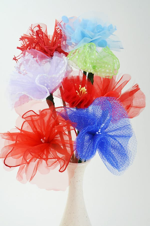 Simple Upcycled Tulle Flowers 7 • Do-It-Yourself Ideas